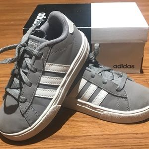 Adidas Daily 2.0 Sneaker Little Boys Size 10
